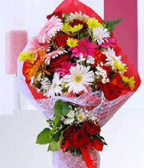 büyük mevsim çiçekleri buketi